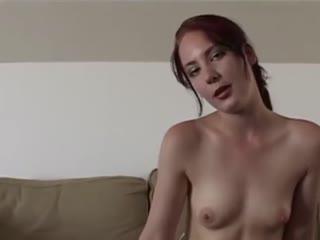 Hitsige brunette Nikita Denise wordt anaal bewerkt